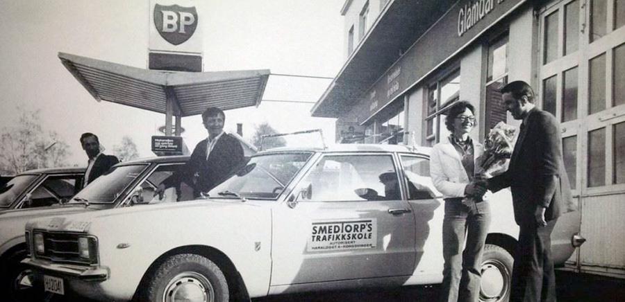 Noen av de første skolebilene våre